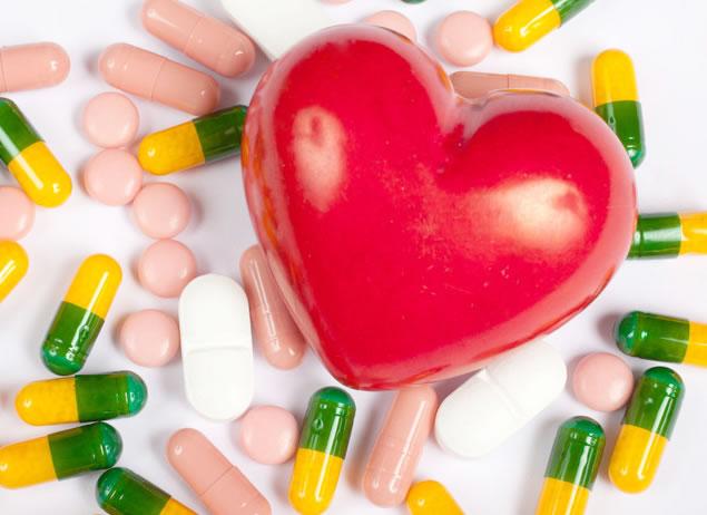 Quando as mudanças no estilo de vida não são o suficiente para normalizar a pressão, a instituição de medicamentos se faz necessária.